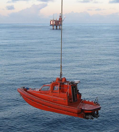 H1.Placedinboat